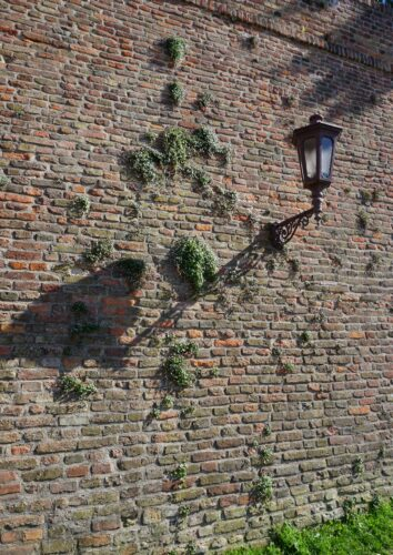 Belgrade Fortress, Brick Wall Lamp