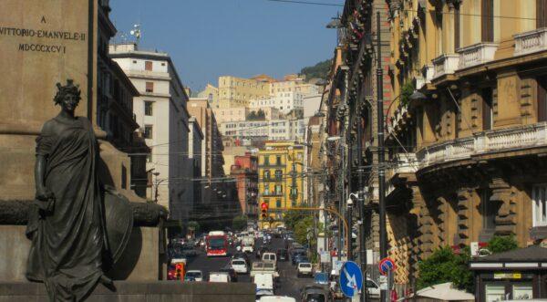 Napoli, Traffic