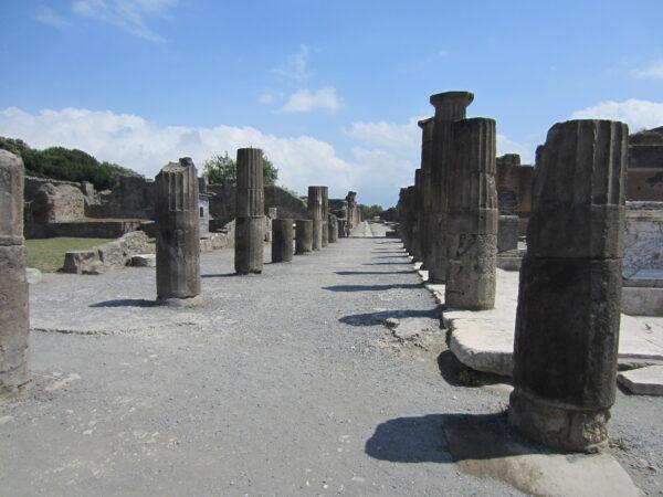 Pompeji, Pillars