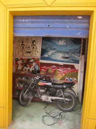 Republica Dominicana, Bike In Art Gallery