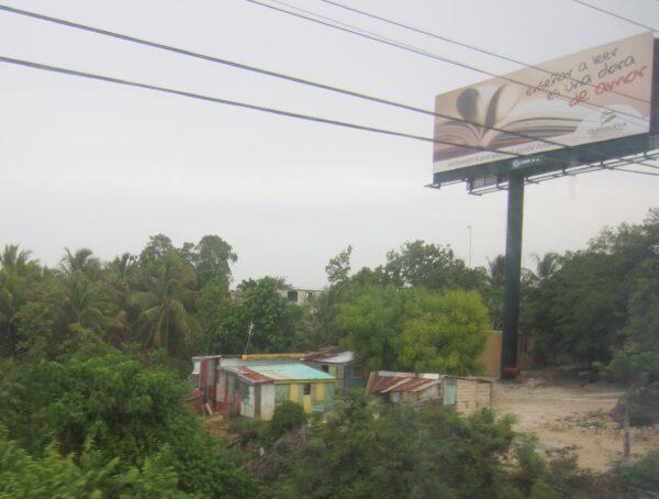 Republica Dominicana, Tin Huts