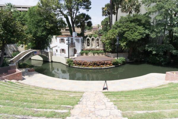 San Antonio, Arneson River Theatre