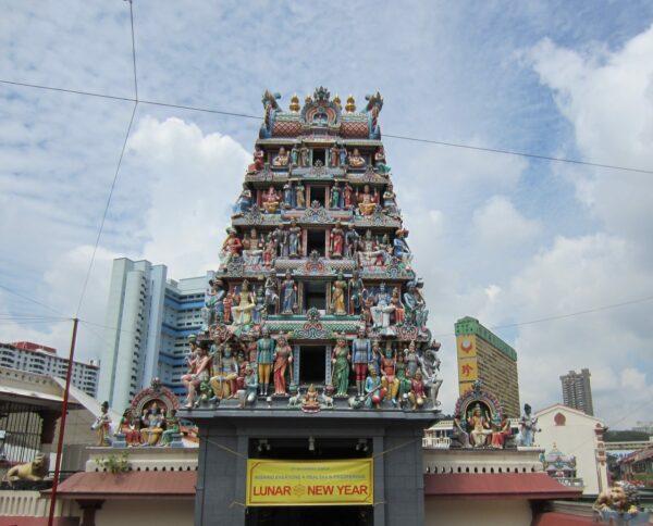 Singapore, Sri Mariamman Temple