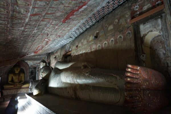 Sri Lanka - Dambulla, Lying Buddha