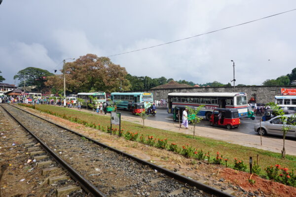 Sri Lanka, Rails And Traffic